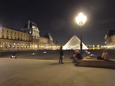 パリの風景(パリ便り3)_c0176078_15394644.jpg