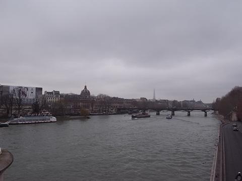 パリの風景(パリ便り3)_c0176078_1539786.jpg