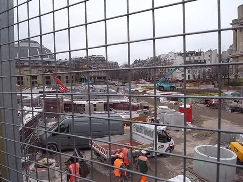 パリの風景(パリ便り3)_c0176078_15412584.jpg
