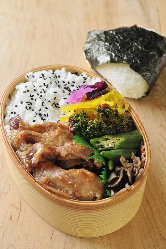 醤油糀の生姜焼き弁当_b0171098_6543114.jpg