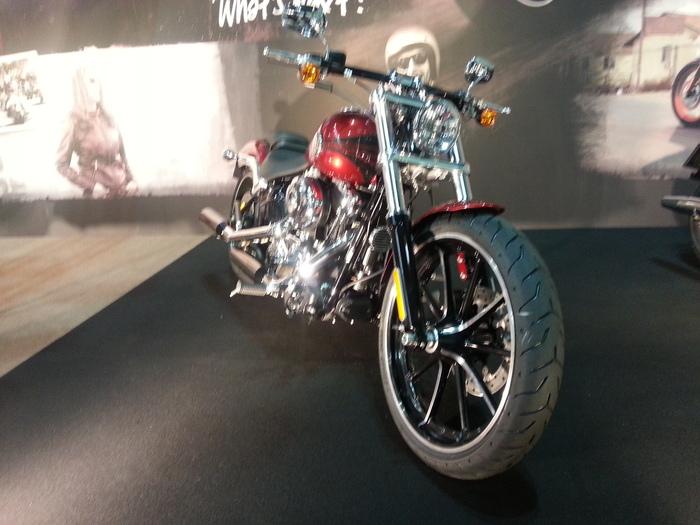 バイクと・・・大阪モーターサイクルショー_b0226322_12574177.jpg
