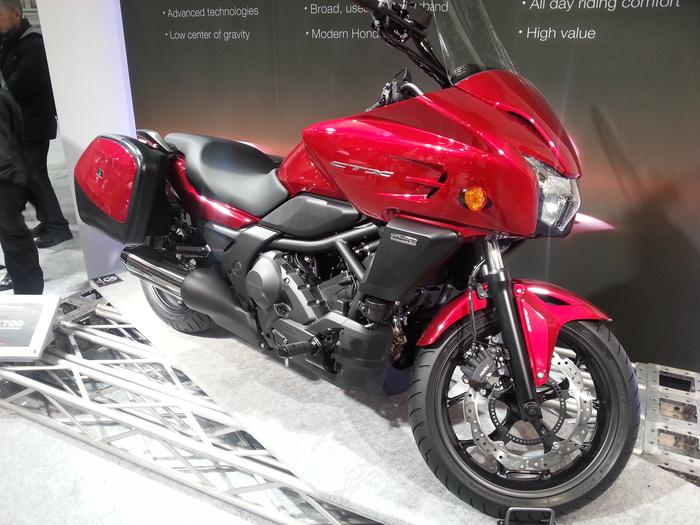バイクと・・・大阪モーターサイクルショー_b0226322_1314382.jpg