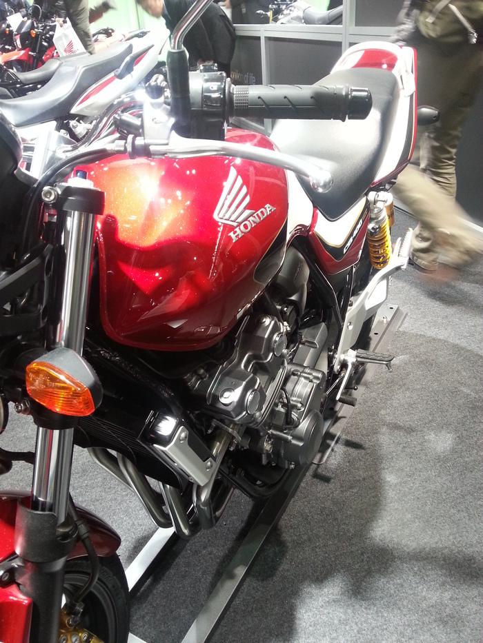 バイクと・・・大阪モーターサイクルショー_b0226322_1320921.jpg