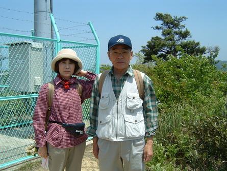 タツナミソウ&横山夫妻   by   (岡田)_c0239329_0592515.jpg