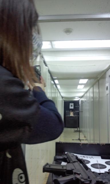 射撃練習~_e0114246_20114262.jpg