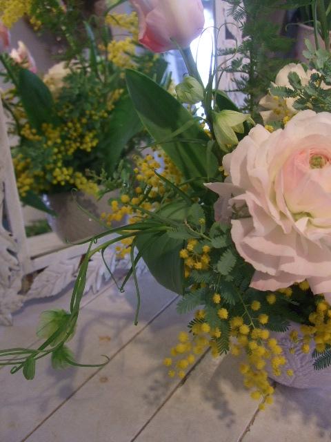 オークリーフ花の教室(松井さんと吉岡さんの作品)_f0049672_1501670.jpg
