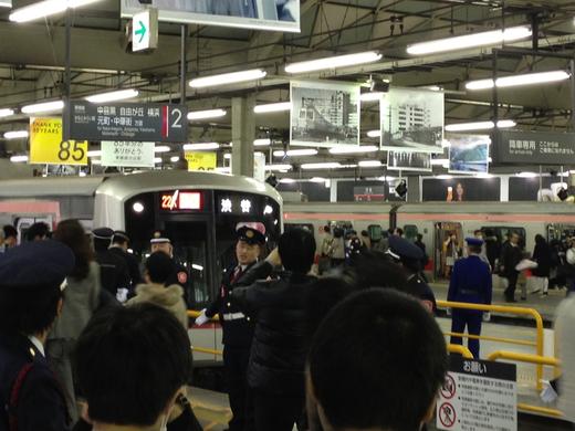 今日だけは鉄子@東急東横線渋谷駅_f0164187_3182062.jpg