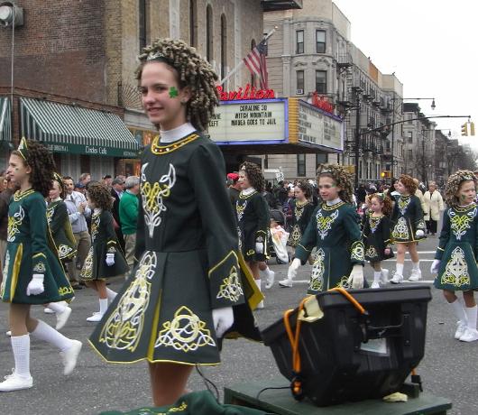 NYのセント・パトリック・デーで見かけた全身緑タイツの人_b0007805_8325451.jpg