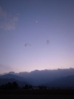 月の夕暮れ_a0014840_028655.jpg