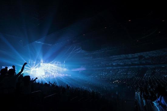 UVERworld アリーナツアーが横アリにて終幕!新曲制作に意欲_e0197970_1159191.jpg