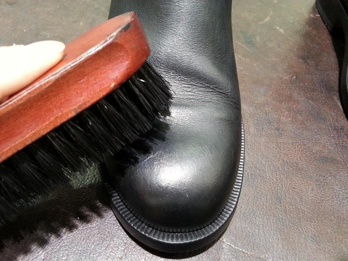 落ち着いた仕上がりの靴クリームです。_b0226322_17221050.jpg