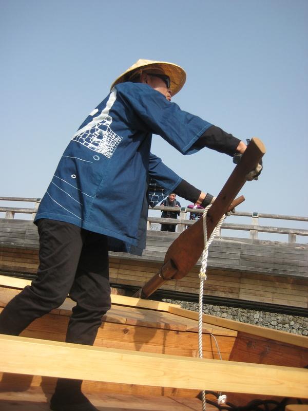 姫路城のお濠に和船 その2 乗ってみた!_c0013687_2313974.jpg