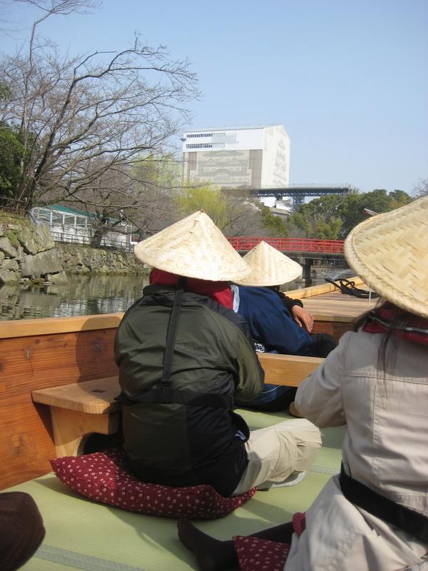 姫路城のお濠に和船 その2 乗ってみた!_c0013687_2314375.jpg