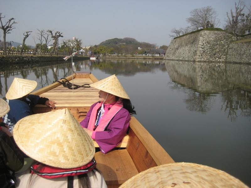 姫路城のお濠に和船 その2 乗ってみた!_c0013687_2323121.jpg