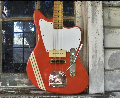 「Rock N' Roll Relics」の潔い風貌の「Jazz-Bastard II」。_e0053731_19345165.jpg