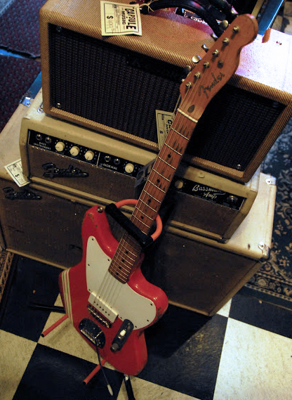 「Rock N' Roll Relics」の潔い風貌の「Jazz-Bastard II」。_e0053731_19345725.jpg
