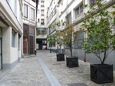 REGINA DABDAB アトリエ訪問記 (パリ便り4)_c0176078_194068.jpg