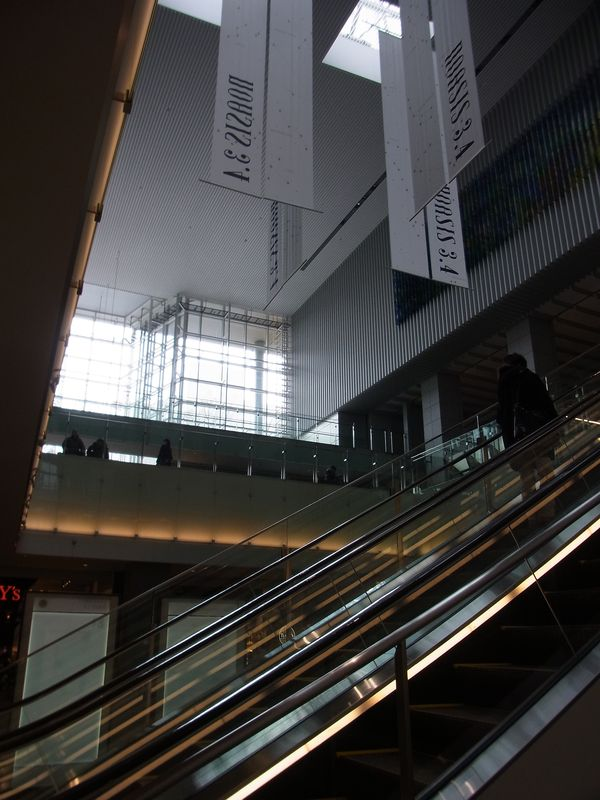 札幌駅前_c0025115_22195794.jpg