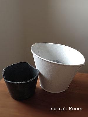 ペイント鉢と名前の分からない多肉さん_b0245038_1310117.jpg