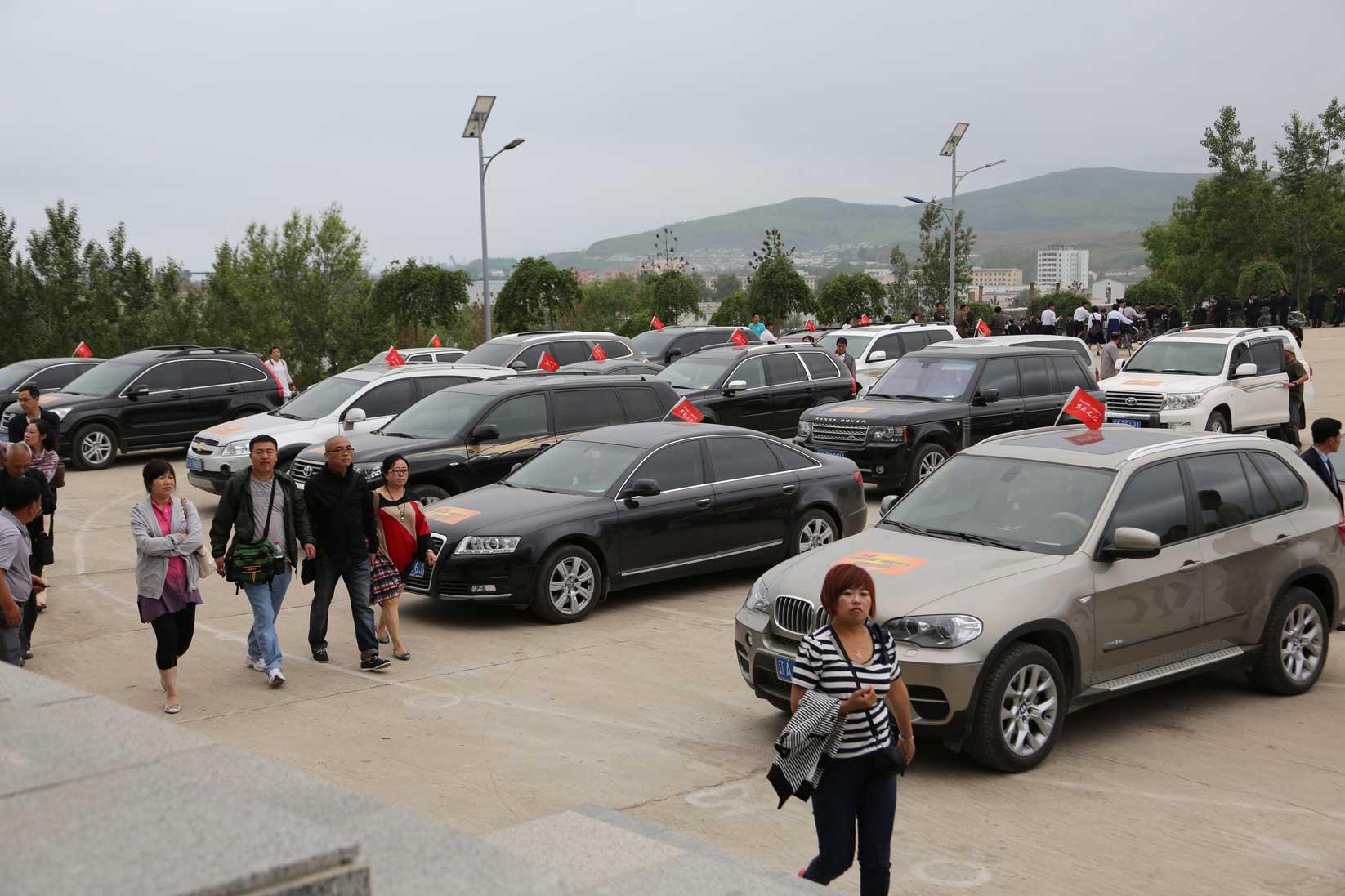 羅先(北朝鮮)で見かけた中国人観光客たち_b0235153_16241747.jpg