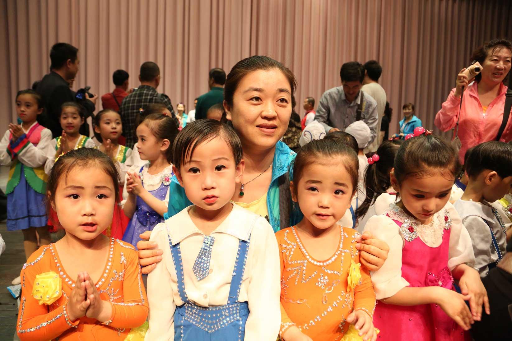 羅先(北朝鮮)で見かけた中国人観光客たち_b0235153_16415470.jpg