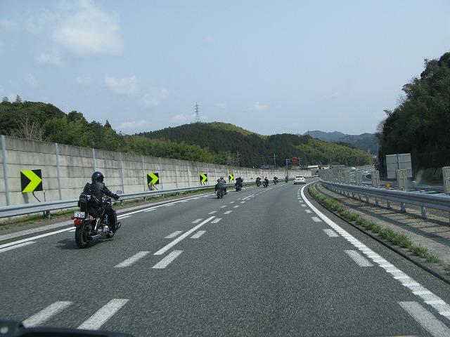 走ってますかー!?  はい!! 走ってきました!!      ちょっと、広島まで_a0110720_2272893.jpg