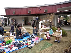 春分の日 初すくすくフリーマーケット_c0141652_10111118.jpg