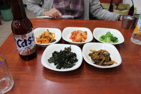 ソウルの、東大門のユジョン食堂(ユジョンシクタン)で焼き魚定食に、チョングッチャン(納豆チゲ)。_a0223786_11482249.jpg