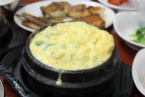 ソウルの、東大門のユジョン食堂(ユジョンシクタン)で焼き魚定食に、チョングッチャン(納豆チゲ)。_a0223786_11484248.jpg