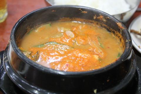 ソウルの、東大門のユジョン食堂(ユジョンシクタン)で焼き魚定食に、チョングッチャン(納豆チゲ)。_a0223786_11522465.jpg