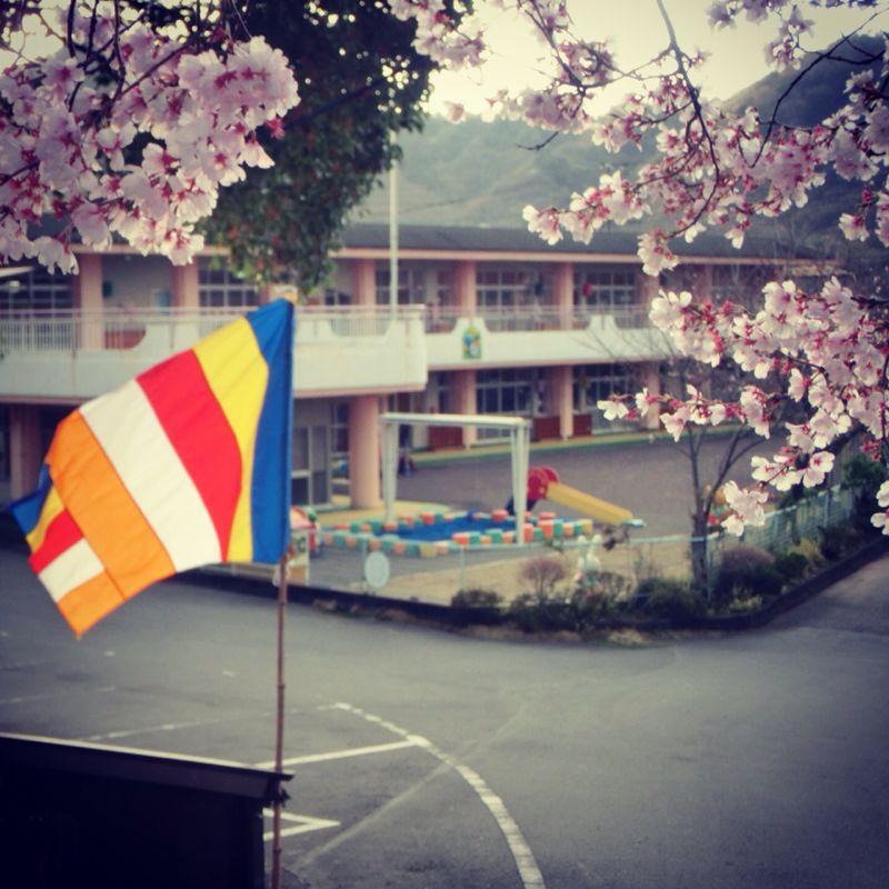 明日はいよいよ卒園式_b0188106_0205322.jpg