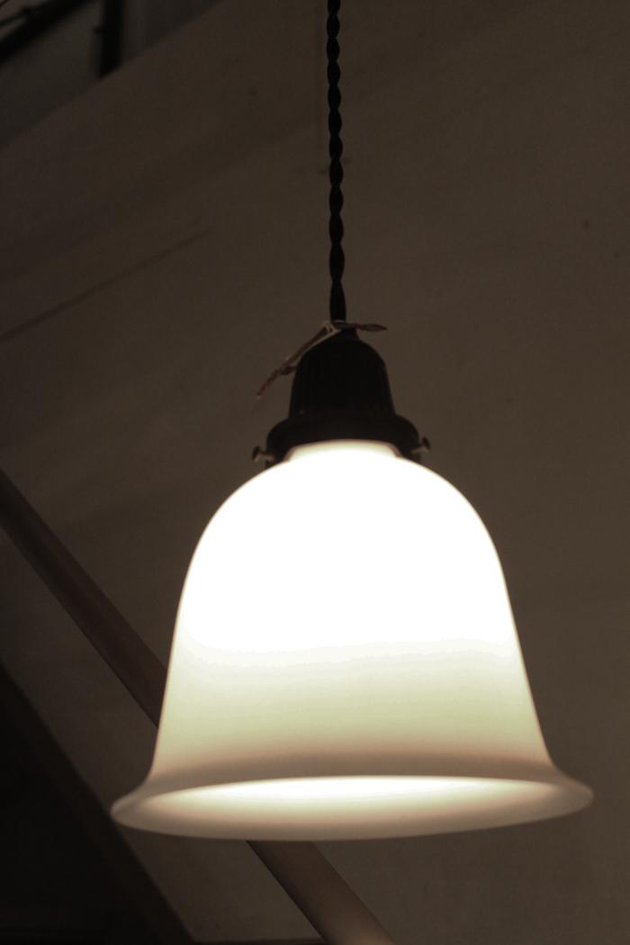 『昭和初期釣鐘型吊下照明』_f0192906_2036613.jpg