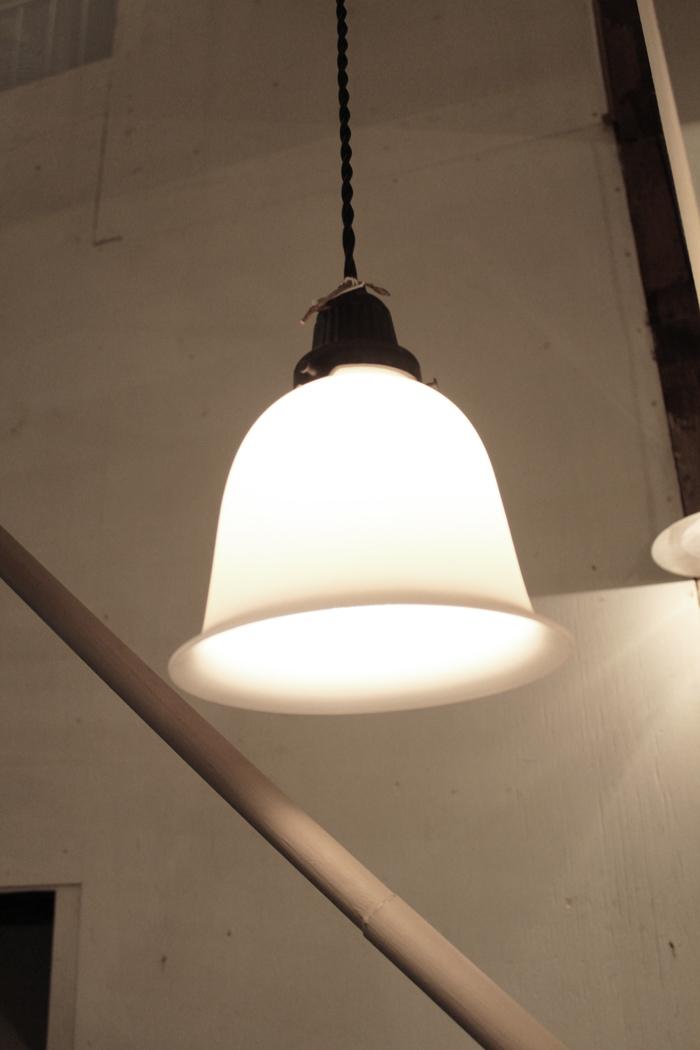 『昭和初期釣鐘型吊下照明』_f0192906_20425148.jpg