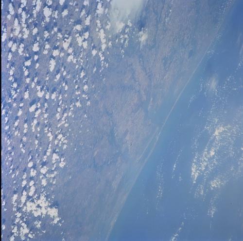 UFOのお次ぎはUMAフライングドラゴン:NASAのドラゴンは中国のドラゴンと同一か?_e0171614_1540165.jpg