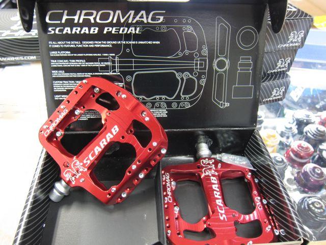 CHROMAG SCARAB PEDAL入荷!_e0069415_18312620.jpg