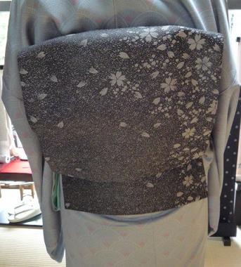 それぞれ素敵な桜の帯の着姿のお客様。_f0181251_18165231.jpg