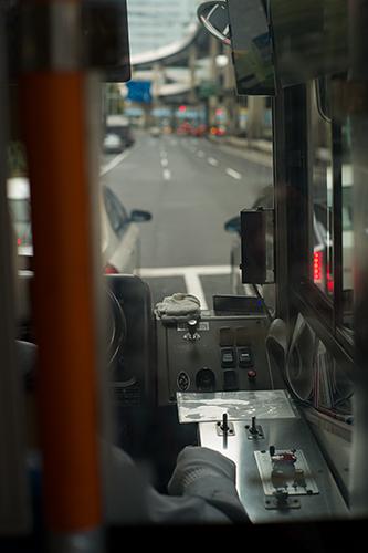 今日の午前中、バスでの移動はとても速かった。_b0194208_2257151.jpg