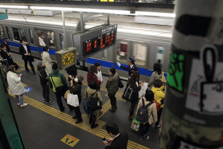 下北沢  小田急線地上駅、最後の夜_b0061717_1121041.jpg