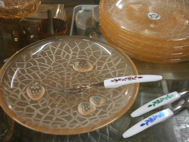 かわいいガラス皿♪_e0199317_21295686.jpg