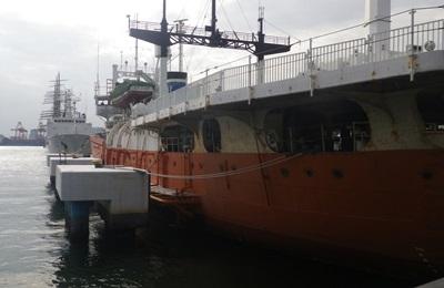 """南極観測船""""宗谷""""_c0180341_213175.jpg"""