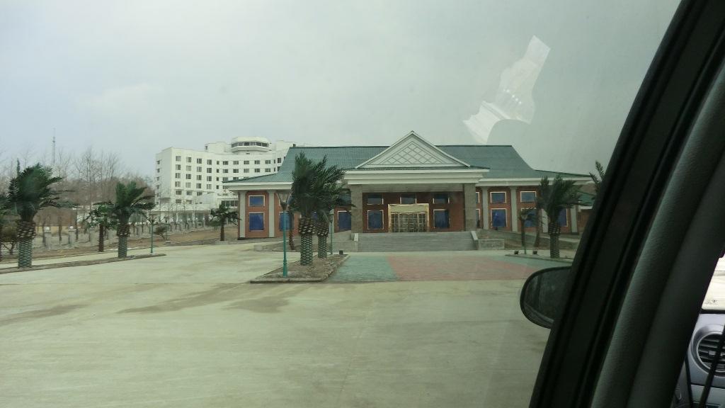 2013年の春、中朝国境にある羅先(北朝鮮)にカジノが3つもできました_b0235153_13291497.jpg