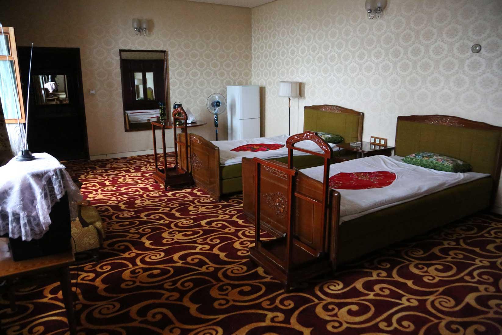 金日成の別荘(琵琶旅館)と旧羅津ヤマトホテル(南山旅館)_b0235153_9401680.jpg