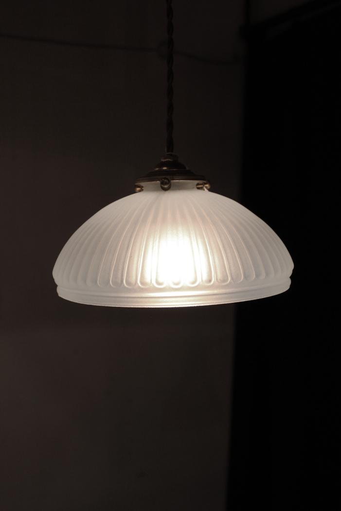 『大正期オパールセント吊下照明』_f0192906_19475054.jpg