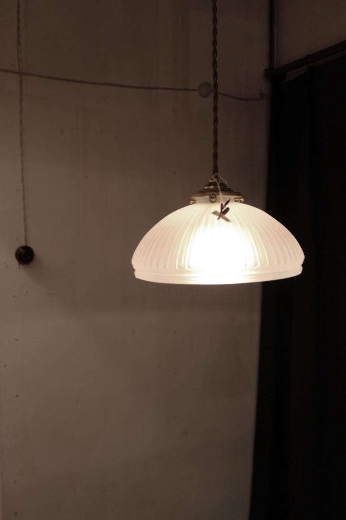 『大正期オパールセント吊下照明』_f0192906_195544.jpg