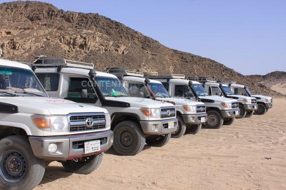 砂漠のオプショナルツアー_a0287461_21451026.jpg