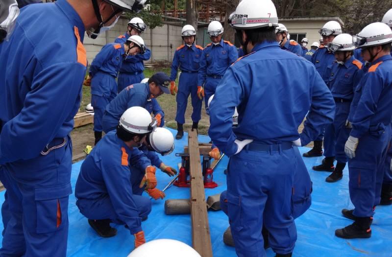 小平市消防団規律・救助訓練_f0059673_20375828.jpg
