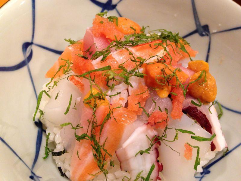 そして海鮮バラ寿司_c0110051_22595992.jpg