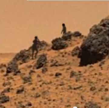 『火星の地表に浮かぶ石』『エリザベス女王とメーソン』/ 拾い物画像_b0003330_1151297.jpg