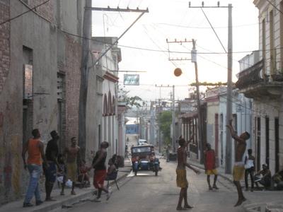 キューバの街角_a0103940_5241887.jpg
