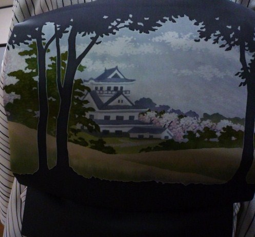 締め忘れるところだった、お城に桜の染め帯。_f0181251_1327362.jpg